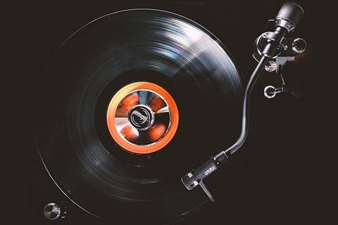 vinyl-4808792_640
