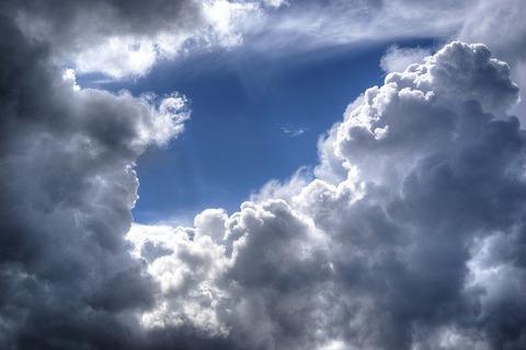 clouds-384672_640