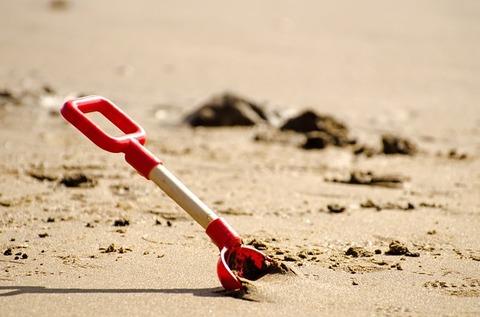 shovel-164266_640