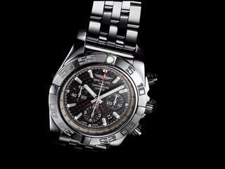 Chronomat_44_Carbon_Dial_002