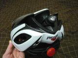 ヘルメットの尾灯