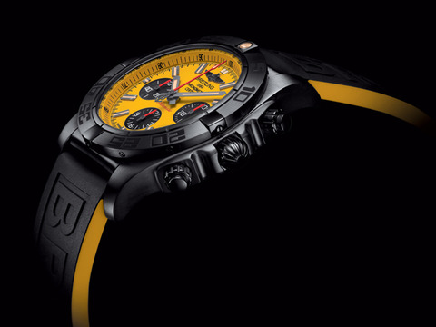 Chronomat_44_Blacksteel_Special_Edition_002