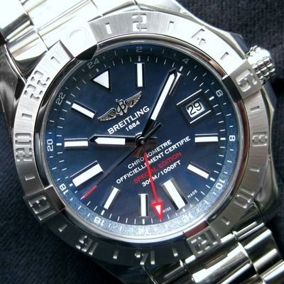 AVENGERⅡ GMT MOTHER-OF-PEARL (3)
