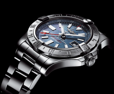 AVENGER II GMT BLUE MOTHER-OF-PEARL (3)