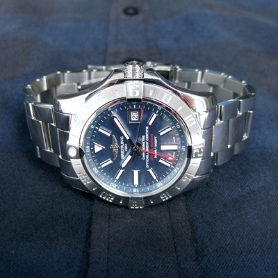 AVENGERⅡ GMT MOTHER-OF-PEARL (1)