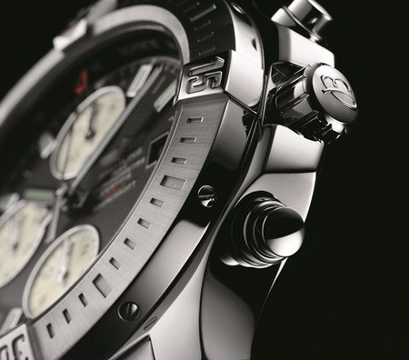 COLT CHRONOGRAPH AUTOMATIC-DETAIL