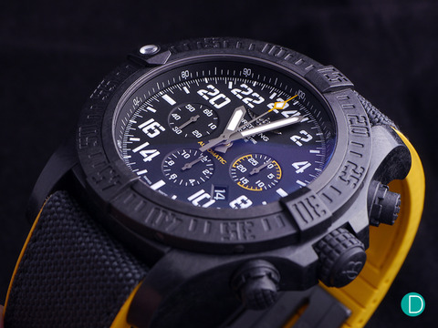breitling-avenger-chrono-oblique-crown