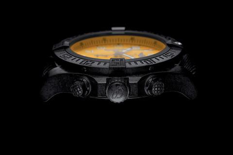 asset-version-c213a6a505-avenger-hurricane-12h-yellow-dial_03
