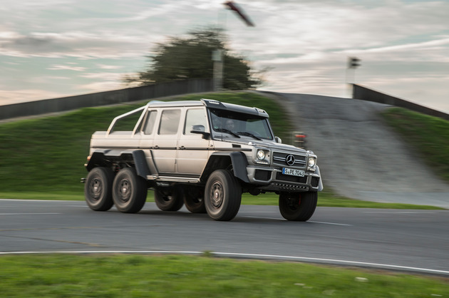 2014-mercedes-benz-g63-amg-6x6-side-in-motion-02-1