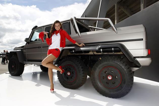 Mercedes-g63-amg-6x6-armored-_44B1326