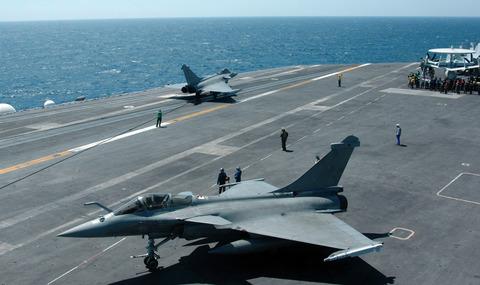 Rafales_aboard_USS_Harry_Truman