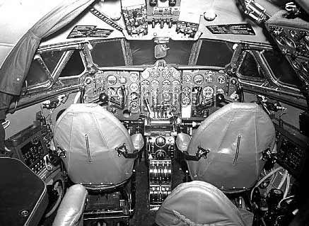 DeHavilland-Comet-Cockpit-inside-view