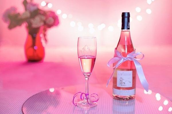 pink-wine-1964458_640
