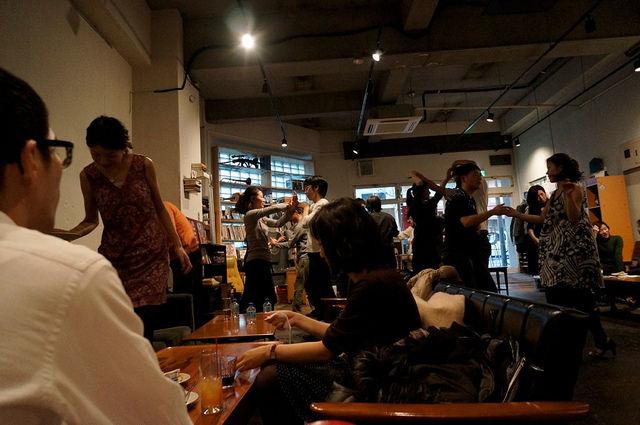 東京カフェ・サルサソファ席