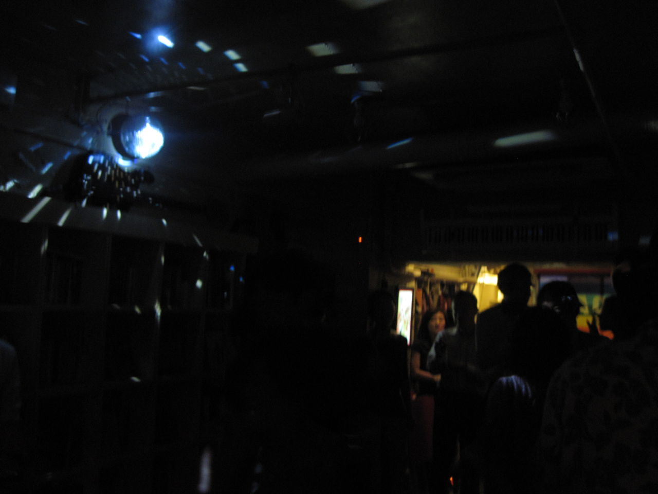 20121012LoveLaughLavanderia ミラーボール
