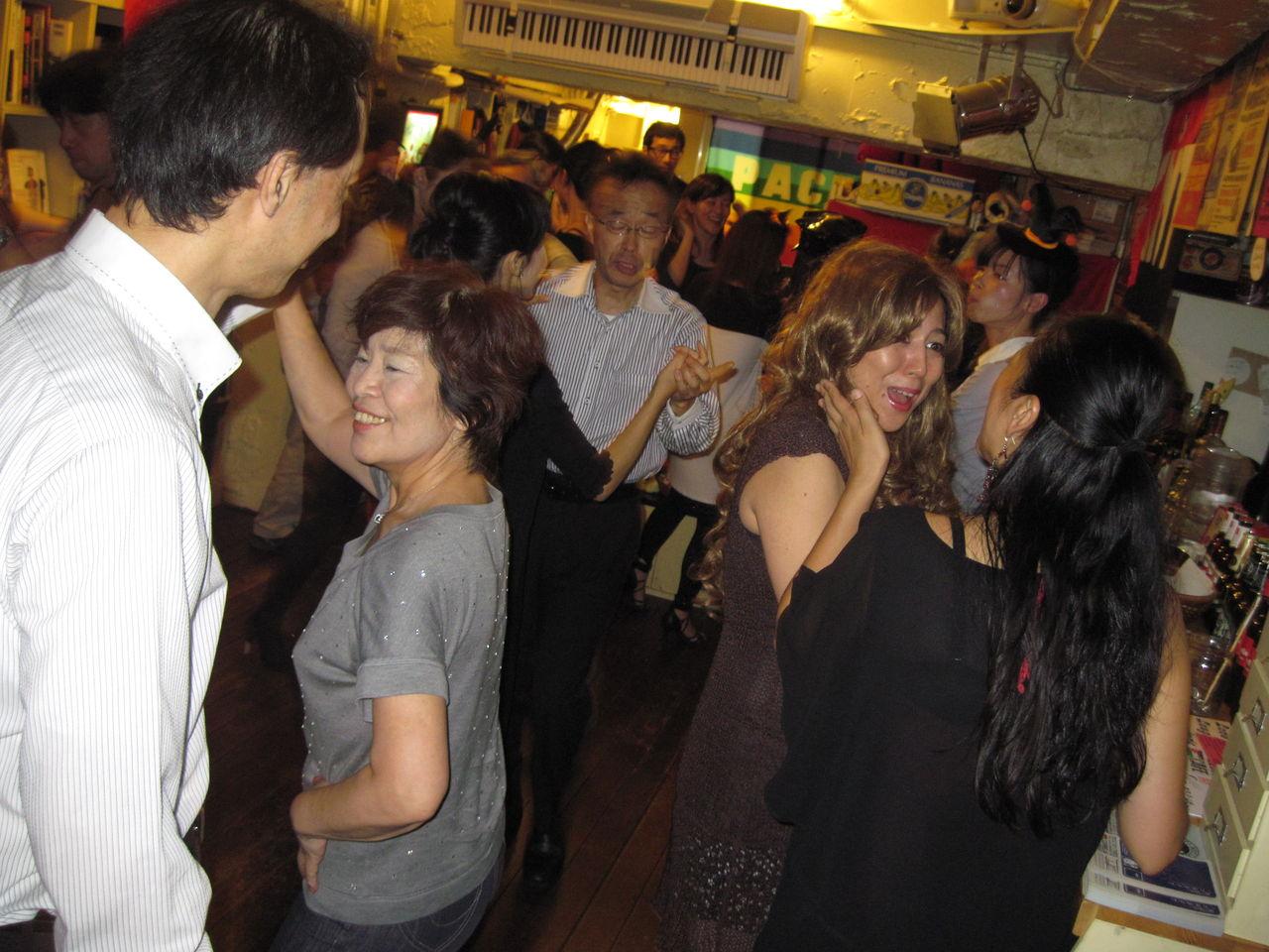 20121012LoveLaughLavanderia ピーク