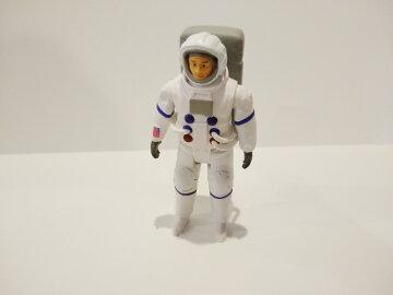 VIS_astronaut