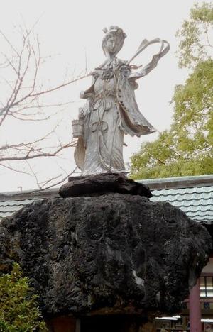 51番石手寺(バロックな女人像)