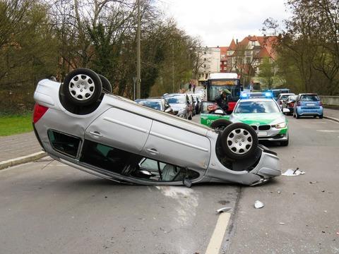 accident-1409010_1920