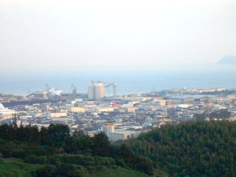 65への道(伊予三島遠景2)