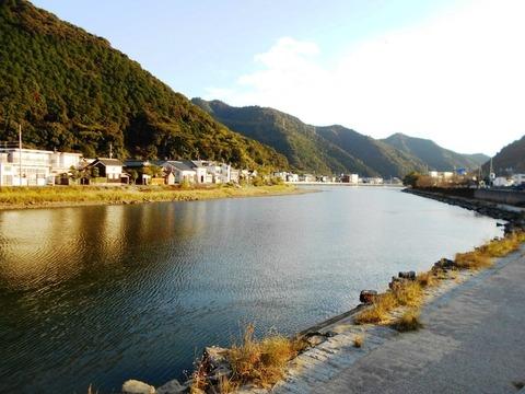 41番への道(津島岩松川)