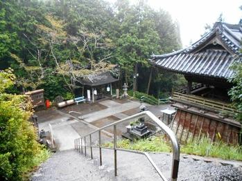 8番熊谷寺境内