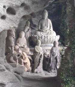 鋸山の仏像