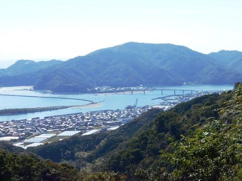 36番への道(塚地峠からの景色)
