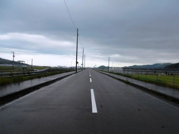 20番への道(まっすぐな道)