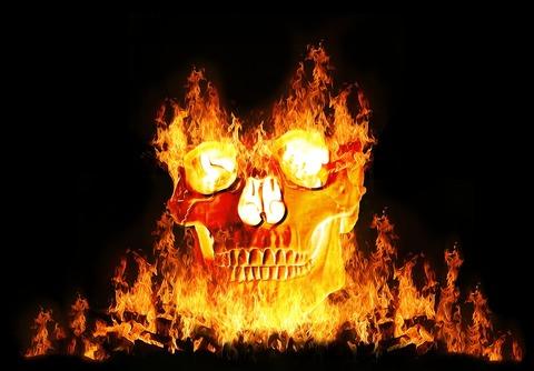 燃える骸骨