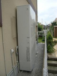 施工写真:エコキュートタンク写真:埼玉県Hさん宅