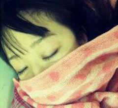 【画像】姉貴が凄い格好で寝てるのだが