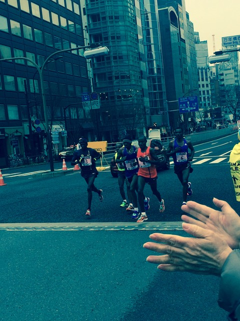 15東京マラソン先頭集団