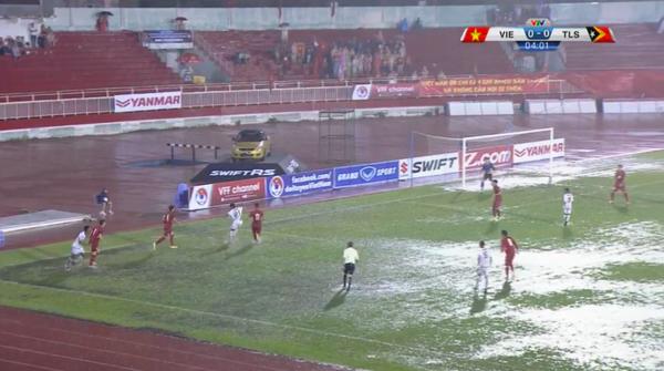 【動画】U23のベトナム×東ティモール戦で田ッカー!大雨でシュートが止まるww