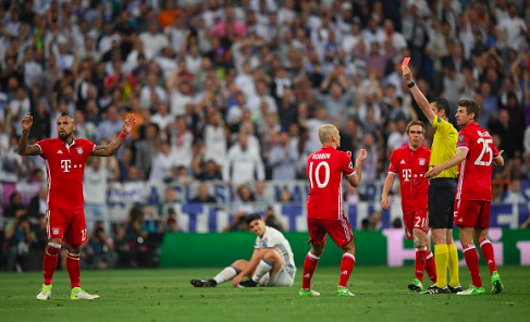 【UEFA-CL】ビデオ判定の導入急ぐべき!敗戦後に口を開けば審判への不満ばかり…