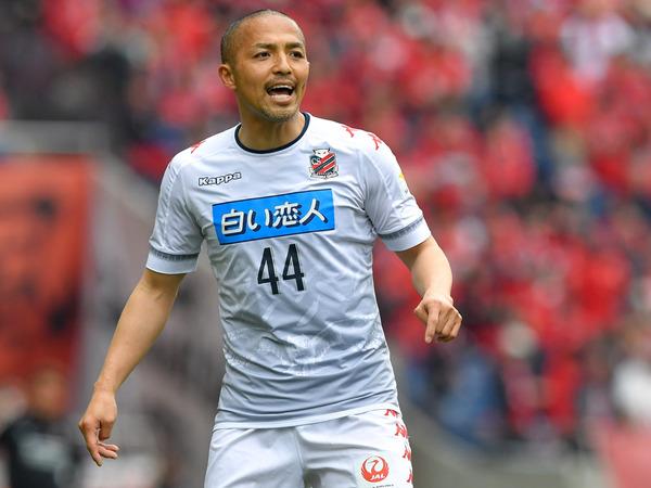埼スタのピッチに立った札幌・小野伸二、試合後に浦和サポに伝えた思い「レッズの選手がうらやましい」