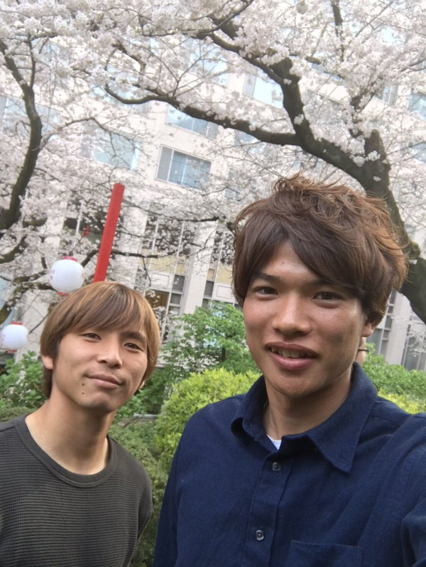 【画像】エイバル乾貴士、帰国中に横浜FM・扇原と桜の下でパシャリ