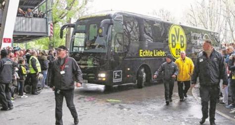 テロか?ドルトムントのバスが爆発し、バルトラが負傷した模様