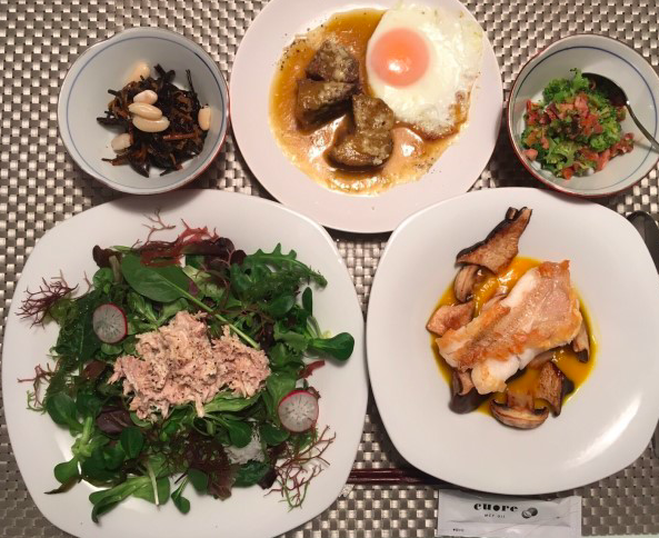 【画像アリ】平愛梨の手料理?長友佑都、栄養たっぷりの家庭料理を披露!