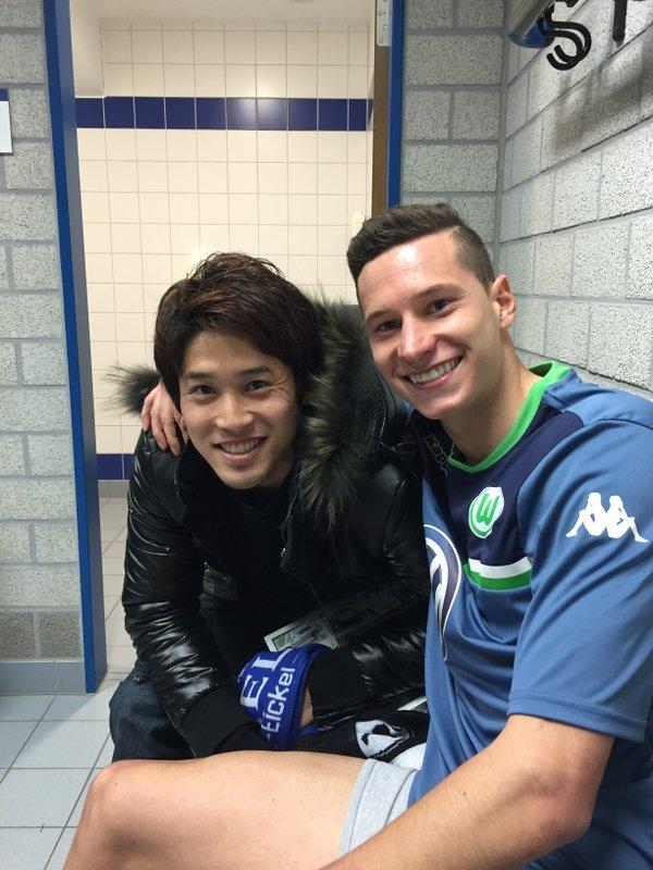 【画像】シャルケ内田篤人がヴォルフス戦でドラクスラーと再会!笑顔でパシャリ!!