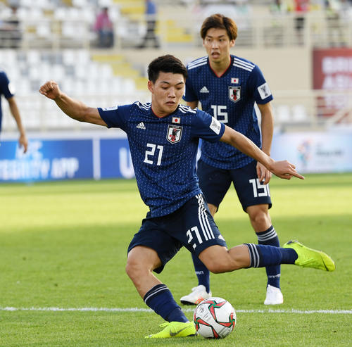 堂安律がアジアカップ最年少ゴール!小野伸二の記録を塗り替える 20歳6カ月24日