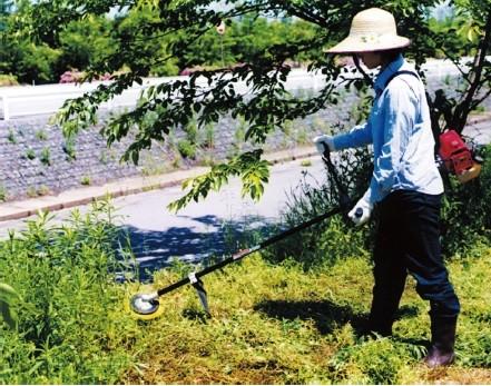 草刈機使用例01