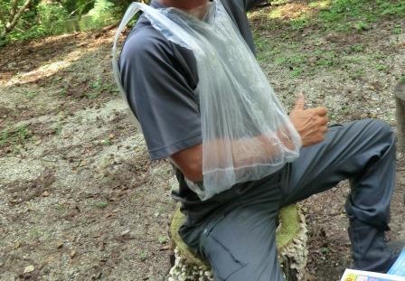 CIMG7143ビニール袋で腕吊