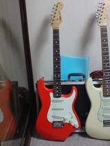 赤ギター2