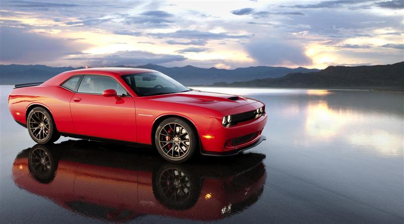 Dodge-Challenger-SRT_Hellcat-02-800
