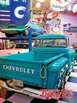 0901cct_08_z+surf_city_garage+blue_truck