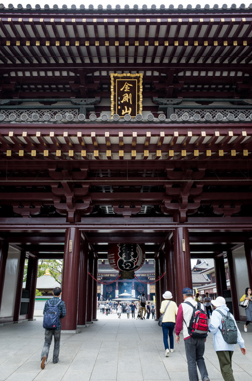 川崎大師の山門