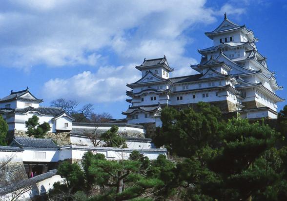 カメラを提げて姫路城へ