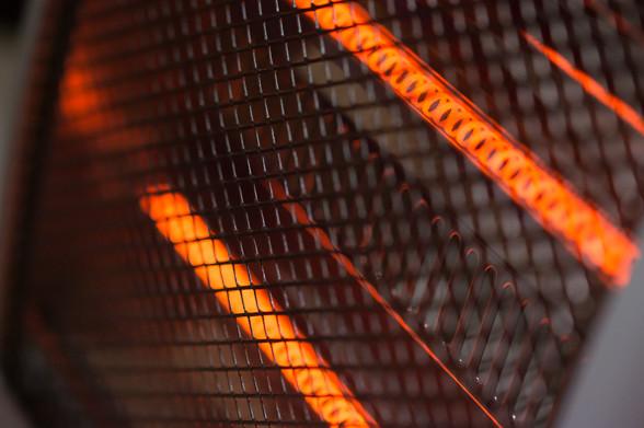 電熱ヒーター