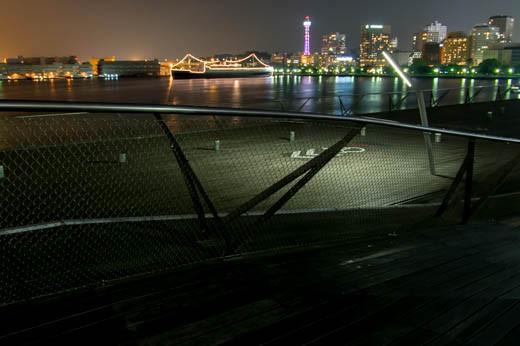 大桟橋から東南方向を望む
